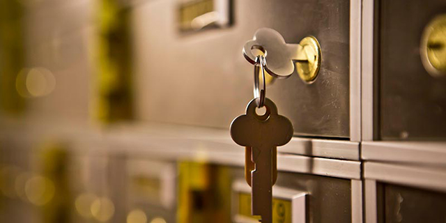 20 Gifts You Can Give Your Boss If They Love Safety Deposit Boxes Keys_in_box_close1